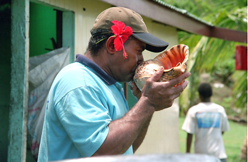 Conch shell horn to announce meal time